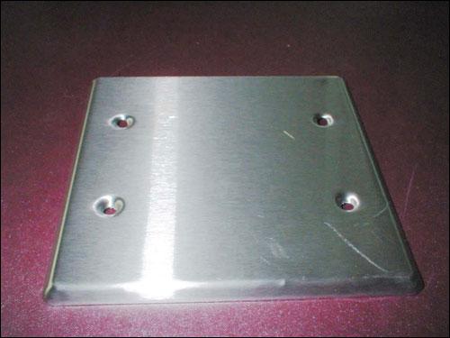 固定头,浪管 f36 不锈钢方型盖板   用途: 铝制接线盒之盖板.